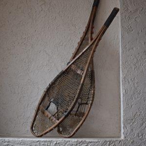 antique-snowshoes-2004237_1920